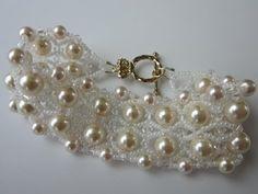 Bracelet with \ Pearl , SB and SW bicones. Браслет из бисера и жемчуга . Beaded Jewelry Designs, Bead Jewellery, Seed Bead Jewelry, Jewelery, Jewelry Bracelets, Handmade Jewelry, Bracelet Crochet, Beaded Bracelet Patterns, Jewelry Patterns