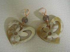 horn and silver earrings with grey agathe stones