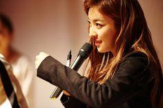 Luna Docking Station, Kos, Concert, Hair, Beauty, Concerts, Beauty Illustration, Aries, Strengthen Hair
