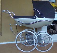 undefined Vintage Pram, Retro Vintage, Pram Stroller, Baby Strollers, Silver Cross Prams, Prams And Pushchairs, Baby Equipment, Dolls Prams, Baby Buggy