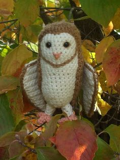 Soren the Barn Owl - I've never seen such a live-like crocheted owl, before. This is an amazing crochet pattern you must try.