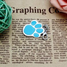 Fashion Popular Footprints Puppy Rhinestone Pendant Lovely Pet Jewelry Candy Color For Small Pet Dog Cat