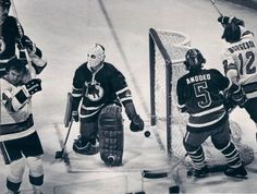 Jim Shaw in goal for the Toronto Toros of the WHA.