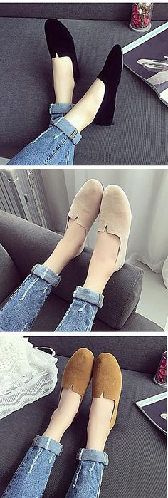 Super comfy and stylish flats, perfect if you need a break from heels! Repin if you like it too!