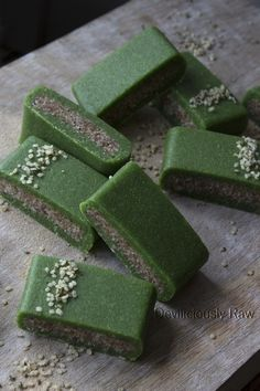 Yum Yum Spirulina Energy Bars from Deviliciously Raw