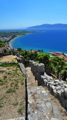 View from Navpaktos Castle, Navpaktos, Peloponnese Western Greece n de Ionian Island_ Greece What A Beautiful World, Beautiful Places, Places To Travel, Places To See, Greek Sea, Places In Greece, Greek Beauty, Nature Beach, Am Meer