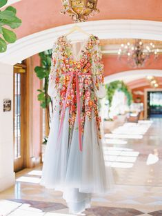 These are the top 2020 wedding trends, according to the experts - 100 Layer Cake Top Wedding Trends, Wedding Designs, Wedding Styles, Wedding Ideas, Diy Wedding, Wedding Stuff, Wedding Planning, Dream Wedding, Marchesa Gowns