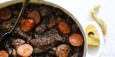 Arroz de entrecosto em vinha d'alhos no forno - Receita - SAPO Lifestyle Portuguese Recipes, Portuguese Food, Pot Roast, Beef, Ethnic Recipes, Meat Recipes, Garlic, Oven, Dining