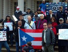 """""""Líderes boricuas de Nueva York unieron ayer sus voces en contra de la privatización del Aeropuerto Internacional Luis Muñoz Marín de Puerto Rico, cuya administración pasará a manos de un consorcio mexicano."""""""