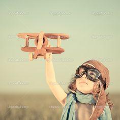 criança aviador foto avião madeira - Pesquisa Google
