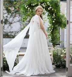 45f6690d164d1 yolancris.... KAPLAN. 柔らかに揺れるシルクシフォンをドレス全体に使い妖精のような神聖な雰囲気を演出....  dress 03-7463 入荷店舗 鹿児島宇都宮大阪  ウエディング ...
