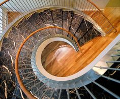 Marmor Treppen gelten immer mehr als Blickfang in jedem stilvoll eingerichteten Haus.   http://www.werk3-cs.de/marmor-treppen