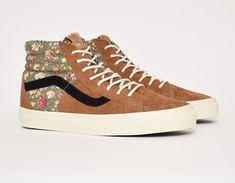 d7efcf49875f11  Vans Sk8-Hi 46 CA Floral Mix  sneakers Vans Off The Wall