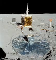 The Apollo 16 ALSEP station taken by astronaut Charlie Duke Apollo Space Program, Nasa Space Program, Space Solar System, Our Solar System, Astronomy Facts, Space And Astronomy, Programa Apollo, Tectonique Des Plaques, Apollo Spacecraft