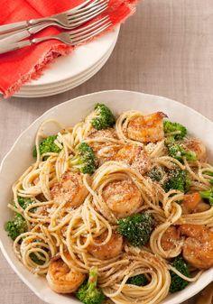 Espaguetis con gambas y brócoli