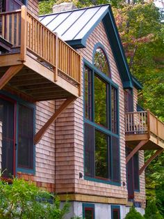 These customizable mountain lodge style home plan provide 2,781 square foot of post and beam living space, soaring ceilings, floor to ceiling windows to capture views, 2 to 3 bedrooms and 3 baths.