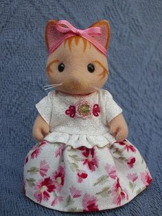 Dress for aldult Sylvanian Families by Mimosette30 on Etsy, €7.00 - not knitted but delightfully crafted.