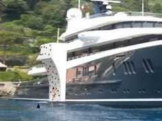 Superyacht toy: Inflatable Climbing Wall by Green Yacht