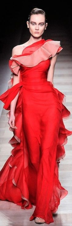 Valentino haute couture | More outfits like this on the Stylekick app! Download…