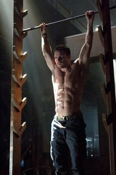 It's REALLY impressive when he starts at the bottom and moves up these rungs.....yum ;)