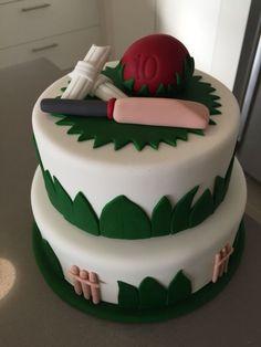 44 new ideas cake birthday men sport - birthday Cake Ideen Birthday Cakes For Men, Happy Birthday Cake Pictures, New Birthday Cake, Cakes For Boys, Birthday Cupcakes, Men Birthday, 10th Birthday, Cricket Birthday Cake, Birthday Recipes