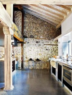 Contemporary and Modern Renovation Rustic House Design Ideas-stone wall Rustic Contemporary, Modern Rustic, Kitchen Contemporary, Contemporary Building, Contemporary Apartment, Contemporary Wallpaper, Contemporary Chandelier, Modern Loft, Contemporary Garden