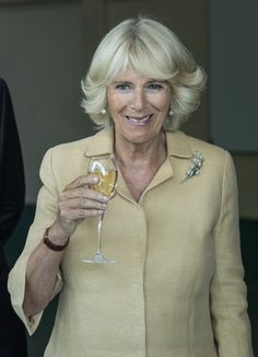 Camilla Parker Bowles Photos Photos - Prince Charles, Prince of Wales and Camilla, Duchess of Cornwall taste cheese at Mahana Winery on November 7, 2015 in Nelson, New Zealand. The Royal couple are on a 12 day tour visiting seven regions in New Zealand and three states and one territory in Australia. - The Prince of Wales & Duchess of Cornwall Visit New Zealand - Day 4