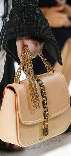 Regilla ⚜ Louis Vuitton, Spring 2018