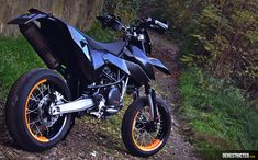 http://derestricted.com/wp-content/uploads/2015/11/ktm-690-smc-custom-03.jpg