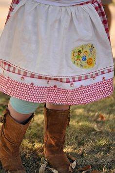 My Evelyn pattern done up by Daughter of Green Clogs...le sigh.