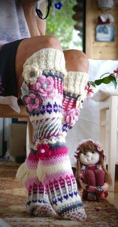 Ankortit Knitting Socks, Hand Knitting, Knitting Patterns, Crochet Patterns, Crochet Cross, Knit Crochet, Crochet Hats, Knitting Projects, Crochet Projects
