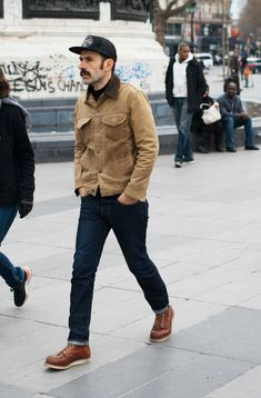 This season's key trend: corduroy and how to wear it Workwear Fashion, Fall Fashion Outfits, Mens Fashion, Mens Corduroy Jacket, Cord Jacket Mens, Outfits Hombre, Masculine Style, Rugged Style, Classy Men