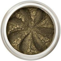 La teinte raffiné kaki irisé de l'Ombre à Paupières Minérale Khaki Sparkle embellira tout en délicatesse les yeux verts, noisettes et marrons. Riches en pigments naturels, les Ombres à Paupières Minérales Lily Lolo offrent des couleurs vibrantes et une tenue irréprochable. Formule non-comédogène. 6,50€ #maquillage #mineral #fard #paupieres #naturel #lilylolo www.officina-paris.fr