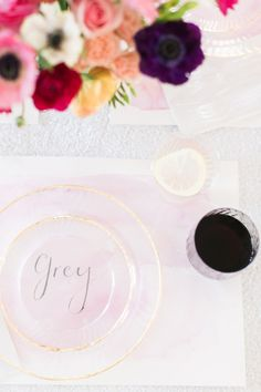 DIY gold-rimmed plates from Chinet //.stylemepretty.com/living/2015/07/12/disposable -partyware-so-pretty-you-wont-want-to-throw-it-out/ & Disposables That Look Better Than the Real Thing | Pinterest ...