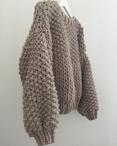 Winter Neutrals ❄️❄️❄️ Honey Blossom Sweater In Sand ✨✨✨ Knit Fashion, Sweater Fashion, Two Color Knitting Patterns, Chunky Knitwear, Knit Wrap, Mohair Sweater, Free Knitting, Beautiful Outfits, Timeless Fashion