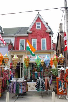 Exploring Toronto's Kensington Market Neighbourhood: A Travel Guide – Brittany's Adventures Toronto City, Toronto Travel, Chicago Travel, Toronto Canada, Fort Myers Beach Restaurants, Chicago Restaurants, Chicago Beach, Canada Holiday, All I Ever Wanted