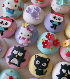 Hello Kitty and Friends cupcakes!!!