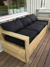 Monica Uglem: Prosjekt hagemøbler Garden Furniture Design, Pallet Garden Furniture, Porch Furniture, Diy Outdoor Furniture, Outdoor Rooms, Furniture Projects, Outdoor Sofa, Outdoor Decor, Wood Sofa
