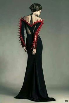 I can't do the no shoulders, but I wish I had something this striking!