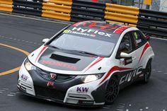 Tiago Monteiro sobe ao pódio no GP de Suzuka. O piloto português Tiago Monteiro (Honda) subiu hoje ao terceiro lugar do pódio na segunda corrida da 10.ª e antepenúltima prova do Mundial de Carros de Turismo (WTCC), no circuito japonês de Suzuka.