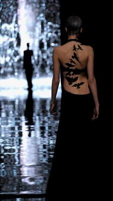 super love this!  and must consider something similar as i have plenty of room for such gorgeous ink on my back.