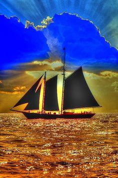 New Wonderful Photos: Ship, Sun & Sky