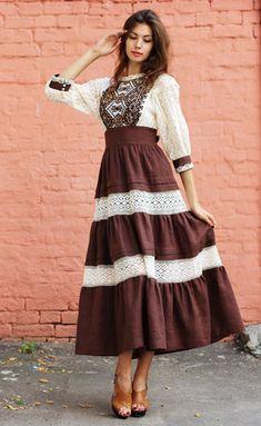Evening dress with Ukrainian embroidery Embroidery Fashion, Embroidery Dress, Modest Fashion, Fashion Dresses, Beautiful Dresses, Nice Dresses, Ethno Style, Mode Simple, Boho Style Dresses