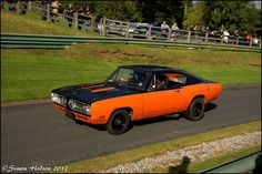 Running up the hill Starring: 67 Plymouth Barracuda (by Si 558)