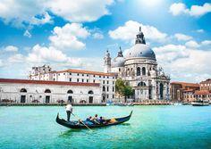 ITALIA VENEZIA  - EUROPA    Disfruta de un paseo en góndola por los hermosos canales de Venecia.