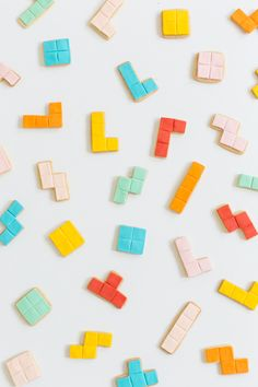 Because why not bring back and edible version of an old childhood favorite with these DIY edible tetris cookies