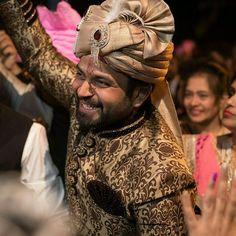 Varanasi India  #wedding #love #photo #happy #photooftheday #india #indianwedding #summer #fun #nevesta #weddingphoto #weddingphotography #weddingphotographer #svatebnifotograf #svatba #destinationweddingphotographer #realwedding #hochzeitsfotografwien #hochzeitsfotografmünchen #svatebnifotografpraha #svatebnifotografbrno #engaged #thedailywedding #bridestory #bridestyle #instamood #instawedding #gonzalobell Varanasi, India Wedding, Wedding Moments, Summer Fun, In This Moment, Happy, Instagram Posts, Wedding Ceremony Pictures, Wedding Souvenir