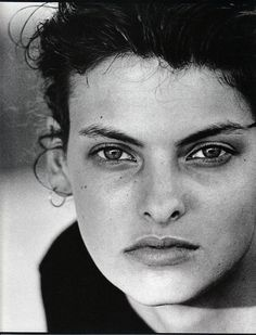 Photos PETER LINDBERGH Vogue IT - Linda Evangelista - Oct 1988