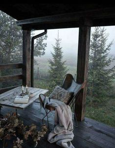 I love this interior design! It's a great idea for home decor. Home design. Outdoor Spaces, Outdoor Living, Indoor Outdoor, Outdoor Bedroom, Outdoor Pergola, Outdoor Sheds, Backyard Pergola, Pergola Ideas, Porch Ideas