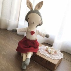 Lisette Bunny has come to visit all her dolly friends at Etsy for afternoon tea. You're invited too!